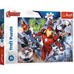 TREFL Układanka Puzzle 200 Elementów Marvel Avengers WALECZNI AVENGERSI 13260