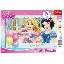 TREFL Puzzle na Podkładce Układanka 15 el. PRZYJĘCIE URODZINOWE Princess 31210